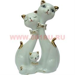 Кошачья семья, белый фарфор - фото 93640