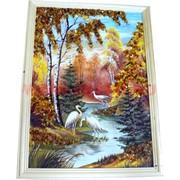 Картина из янтаря в простой светлой рамке 35х45 см