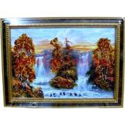 Картина с янтарем в рамке с золотым орнаментом 35х54