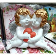 Два ангелочка с сердцем (гипс) 13 см