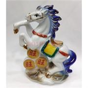 Лошадь из фарфора на монетах