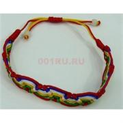 Браслет на руку с разноцветными нитями