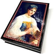 Деревянная подарочная шкатулка (MS-175) «Девушка с бусами»