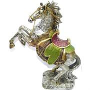 Лошадь с цепью (NS-797) из полистоуна