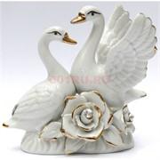 Фигурка фарфоровая «Лебеди 12 см» белые с 2 розами