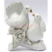 Фигурка фарфоровая «Голуби» белые с розой 10 см
