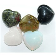 Сердце из натуральных камней 4x4,5 см в ассортименте