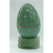 Яйцо из натурального нефрита на подставке