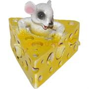 Мышь (5) в сыре из полистоуна 6,4 см
