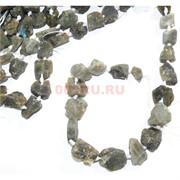 Нитка бусин 44 см из зеленого лабрадора 18 камней