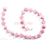 Нитка бусин из розового коралла квадратные 31 бусина