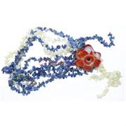 Бусы из синего лазурита с цветком из сердолика
