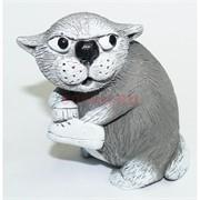 Кошка с тапочком 7 см из мраморной крошки