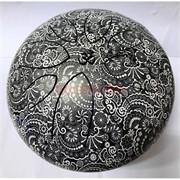 Музыкальный инструмент глюкофон черный с белыми узорами диаметр 23 см