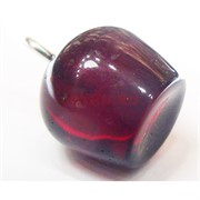 Подвеска кулон из янтаря красная 1,4 см