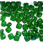 Кабошоны 10x10 квадратные из зеленого стекла