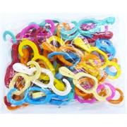 Пластиковые цветные крючки