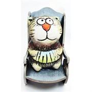Фигурка Кот с гармошкой (KN00-103) в кресле-качалке