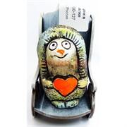 Фигурка Ёжик с сердцем в кресле качалке (KN00-127) из шамота
