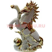 """Конь из фарфора """"под золото"""" 24,5 см (923)"""