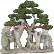 Семья слонов из полистоуна под деревом 28 см (ставится, вешается)