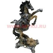 Лошадь на дыбах из полистоуна 25 см (DR124)