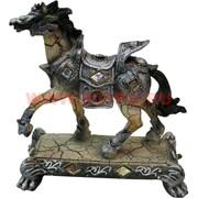 Лошадь из полистоуна на подставке 20 см (DR121)