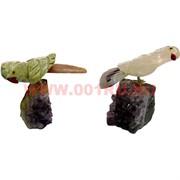 Попугай на камне 8 см (яшма, аметист)