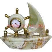 """Часы из оникса """"Парусник"""" 17 см (8 дюймов)"""
