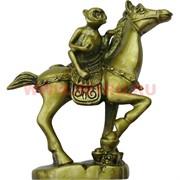 Нецке, обезьяна на лошади