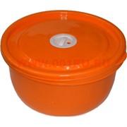 Пластиковая емкость с крышкой (цвета в ассортименте)