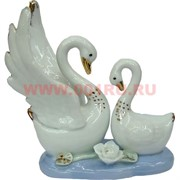 Два лебедя на воде, фарфор