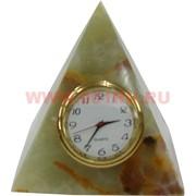 Пирамида с часами из оникса малая (2 дюйма)
